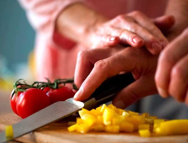 Aide à la préparation des repas à domicile